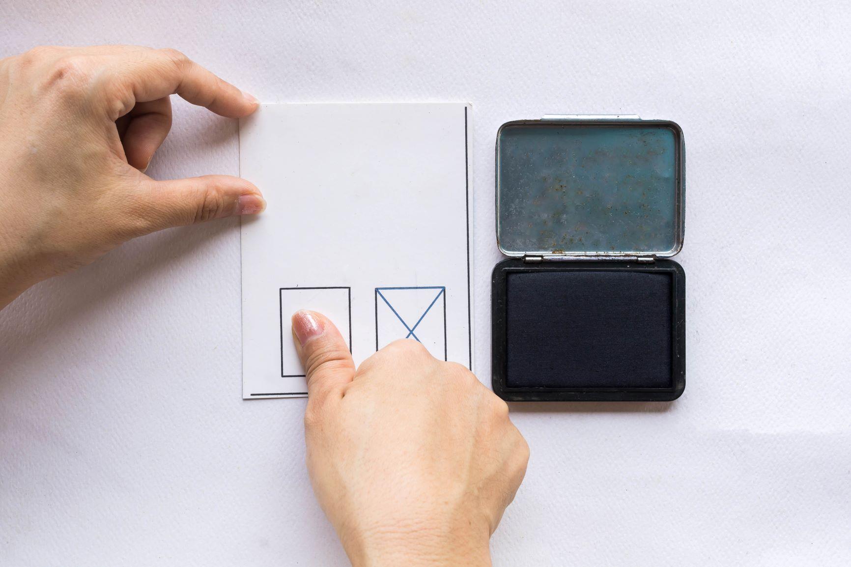 Fingerprinting vs. Name-based Searches